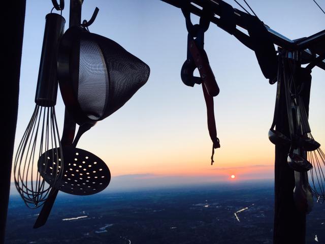 Keuken op grote hoogte in een luchtballon